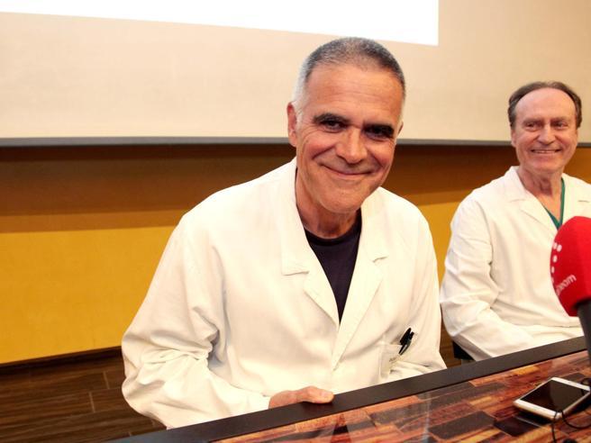 Zangrillo: «Il virus clinicamente non esiste più». Lo sdegno degli esperti: «Messaggi fuorvianti»